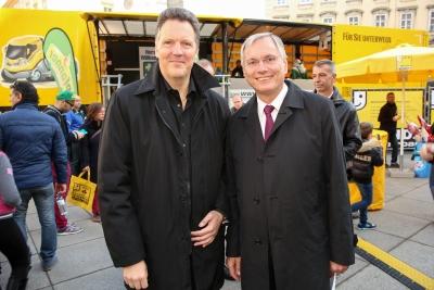 Obmann Klacska mit HBM Stöger bei Abschlussevent Friends on the Road in Wien