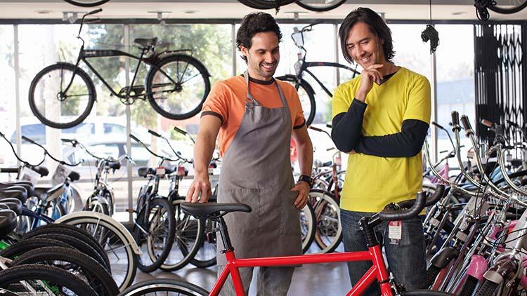 Fahrrad, Rad, Fahrradshop, Rennrad, Person, Mann, T-Shirt, Handel, Kunde
