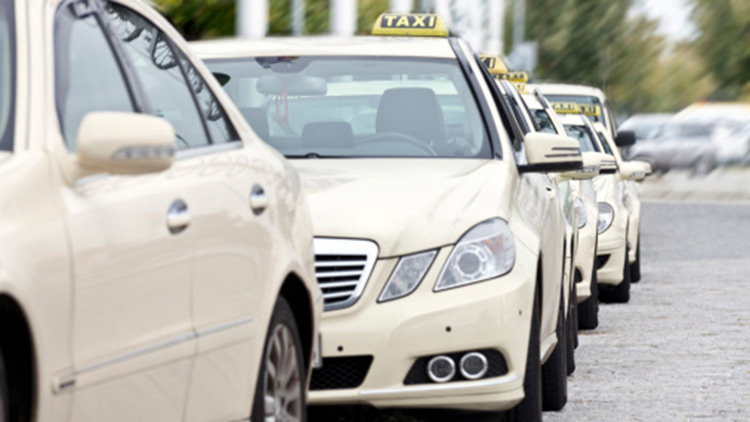 Transportmittel, Taxistand